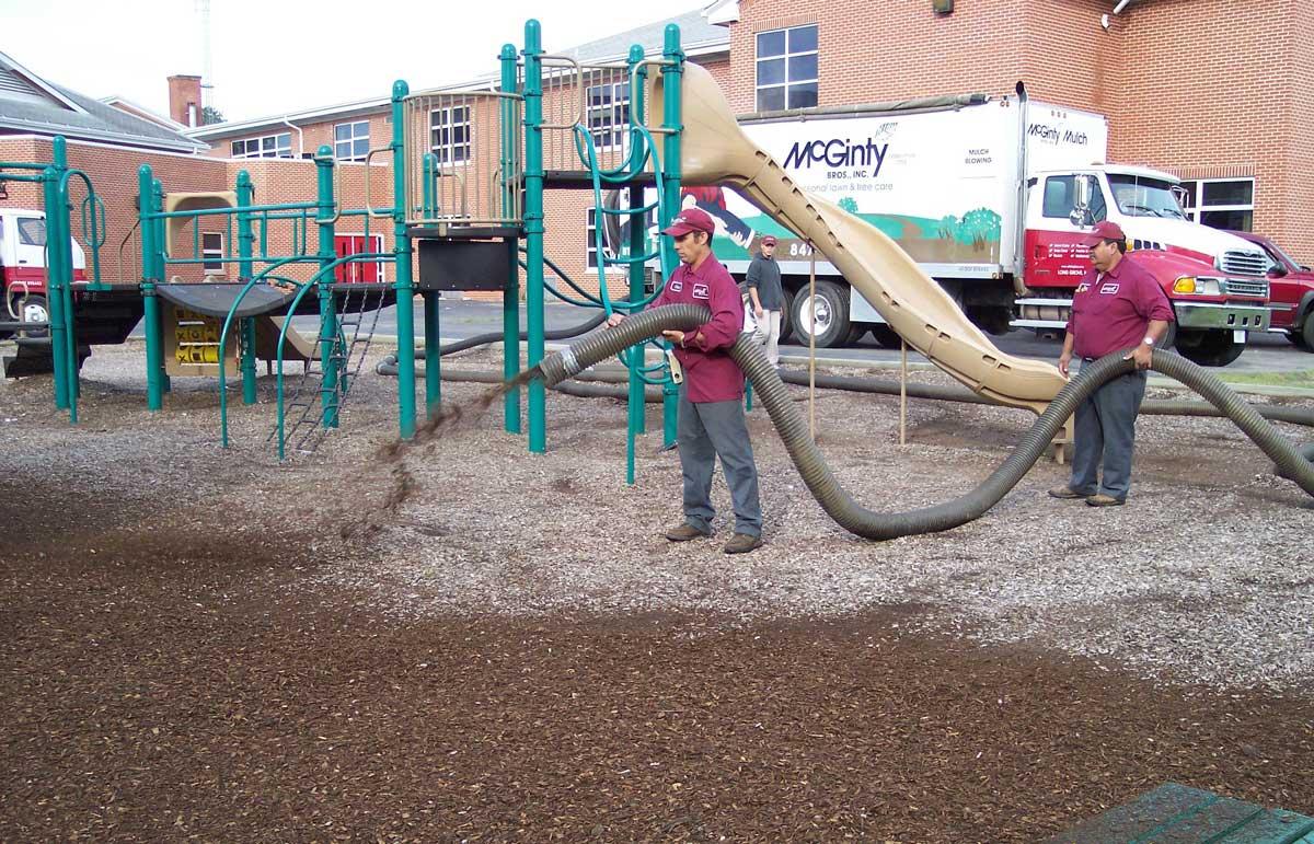 Hawthorn Woods, IL Mulch Installation Services