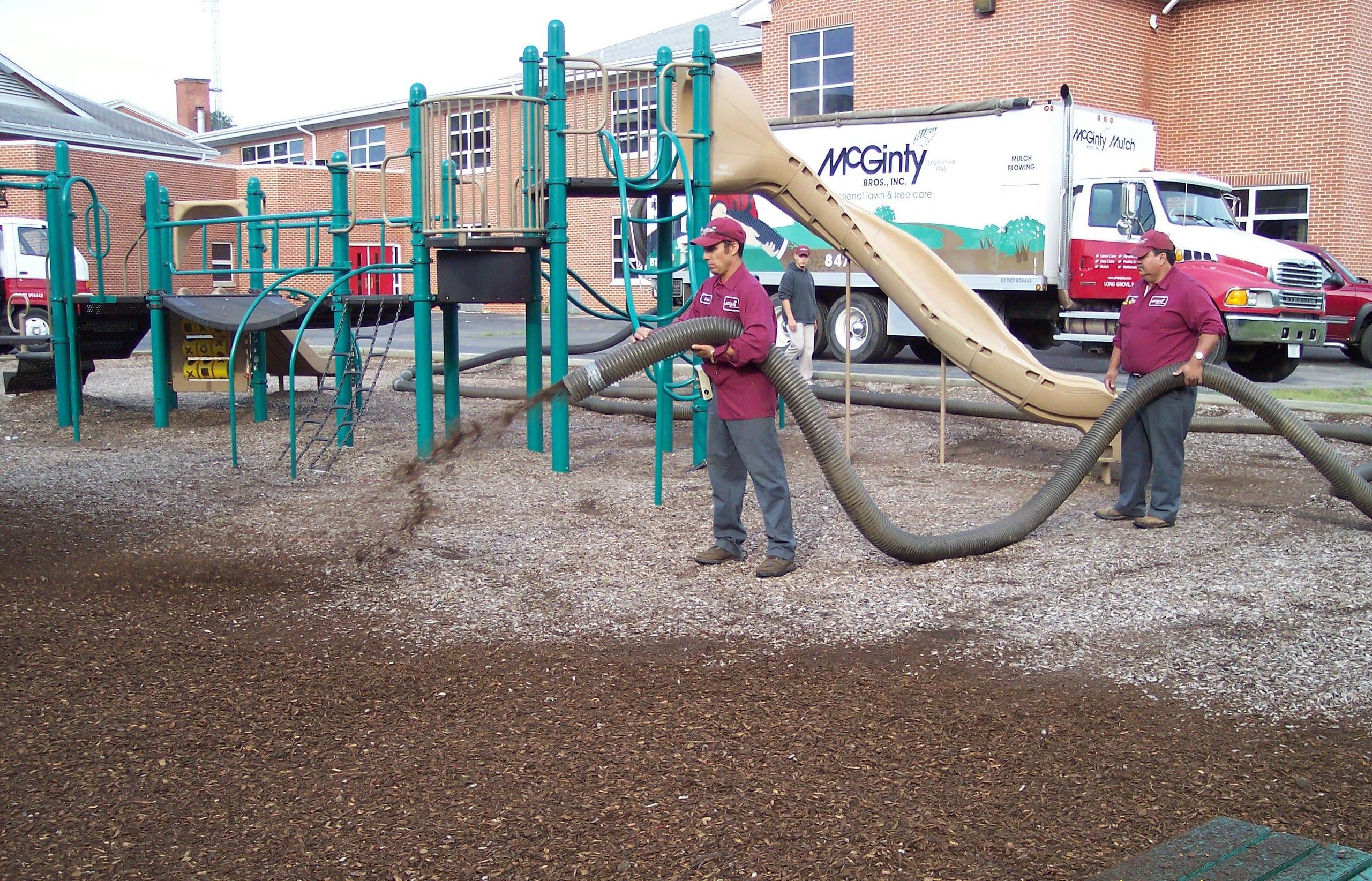 Highland Park, Illinois Mulch Installation